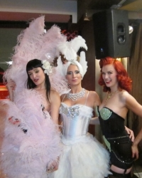 Sonja Morgan and the burlesque dancers